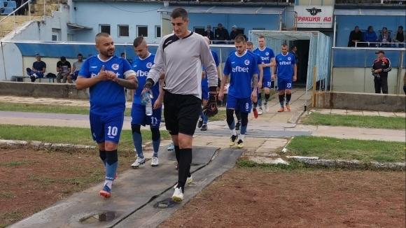 Футболистите на Светкавица (Търговище) спечелиха гостуването на Интер (Добрич) с