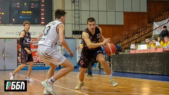 След четирите поредни загуби Локомотив Горна Оряховица постигна първа победа