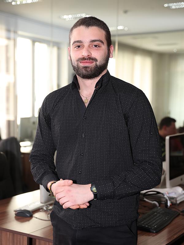 Даниел Любомиров