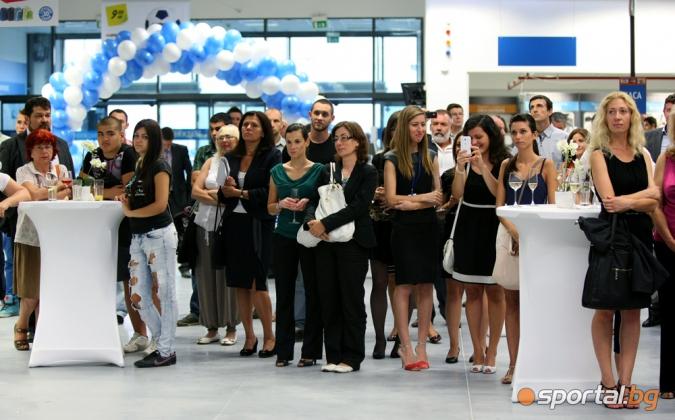 5cc6f59e9a2 Галерии БГ Футбол - С грандиозен коктейл беше открит новият спортен магазин  DECATHLON в София - Sportal.bg