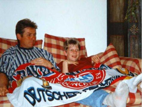 Малкият Швайни със своя баща