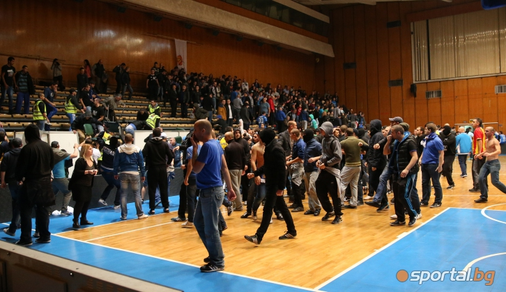 Бой прекрати срещата между Левски и Партизан