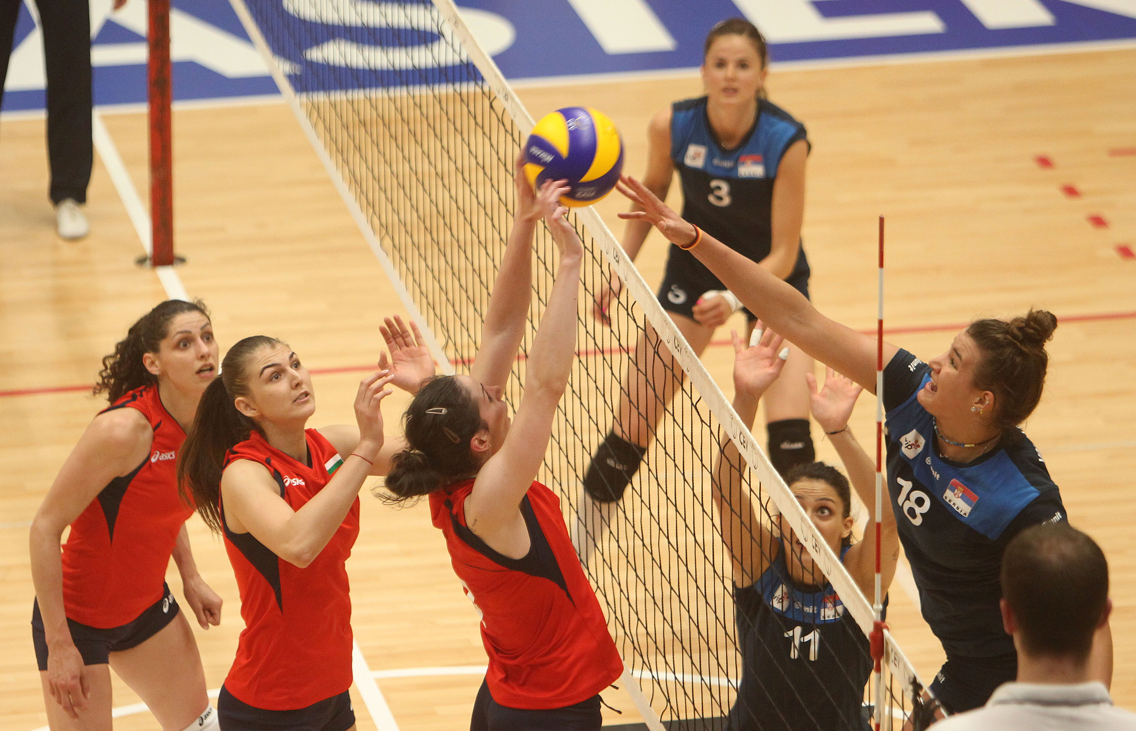 България спечели първата контрола срещу Сърбия
