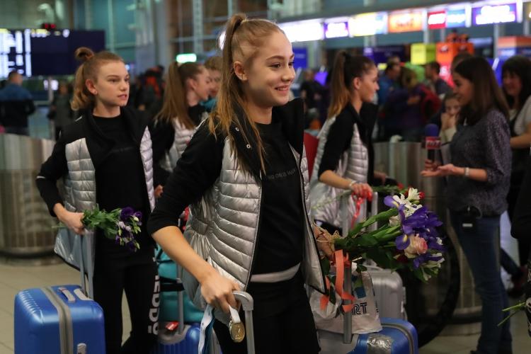 Националният отбор по художествена гимнастика се прибра от Баку