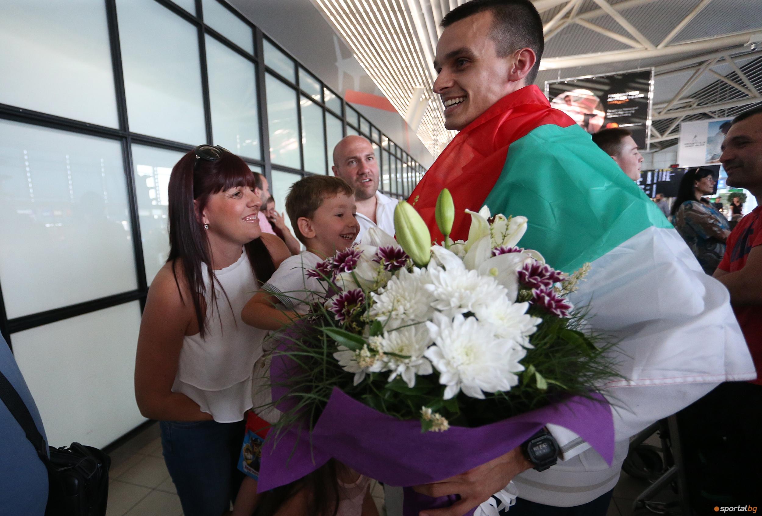 Медалистът Владимир Далаклиев се завъра от Световното