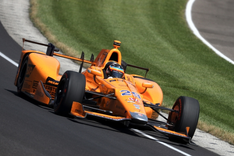 Фернандо Алонсо на Инди 500