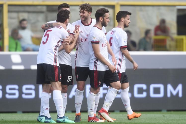 Милан се отпуши в Болоня