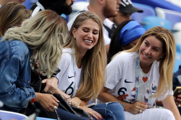 Феновете на Франция срещу Уругвай