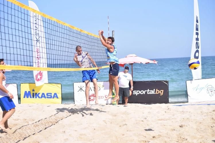 """Страхотни емоции по време на първото издание на турнира по плажен волейбол """"Byala Open"""" 2018"""
