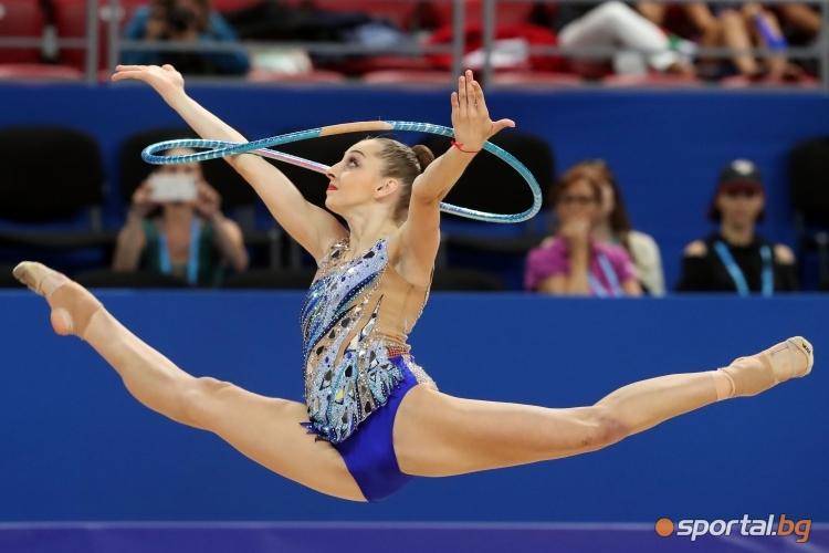 Боряна Калейн с обръч на СП по художествена гимнастика