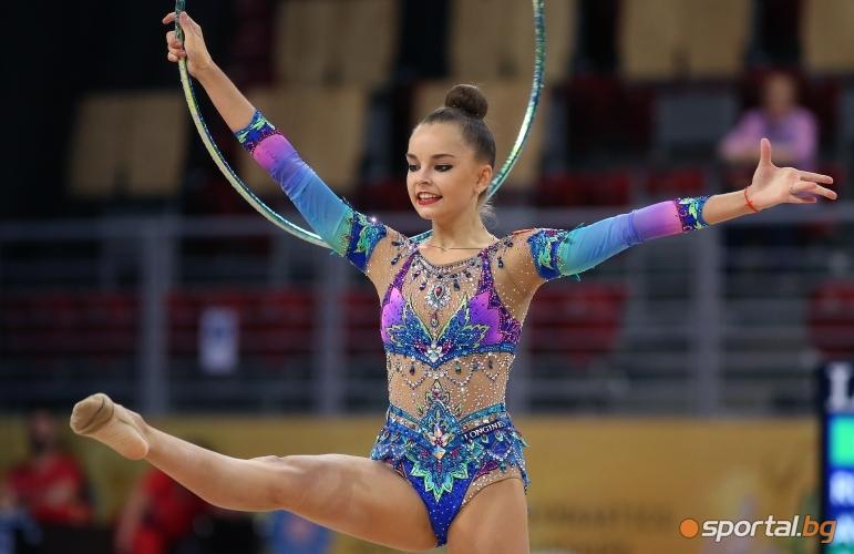 Изпълнения на обръч на руските гимнастички