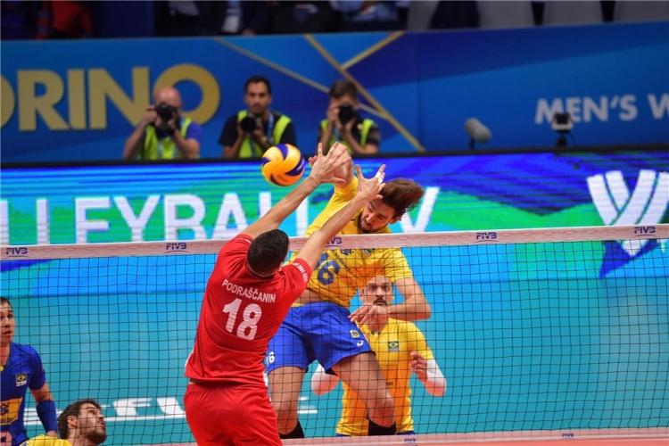 Полуфинал 1: Бразилия - Сърбия 3:0