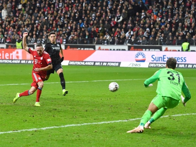 Айнтрахт (Франкфурт) - Байерн (Мюнхен) 0:3