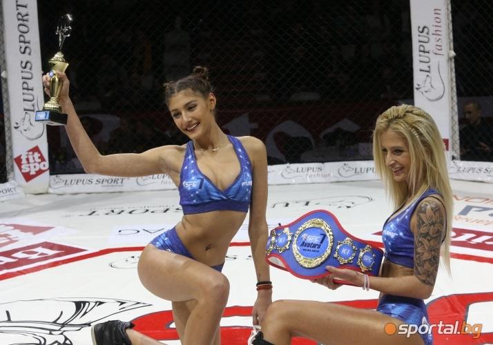 Памела Михалкова (вдясно)