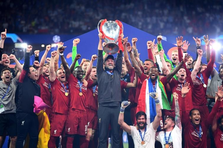 Ливърпул вдигна купата на Шампионската лига