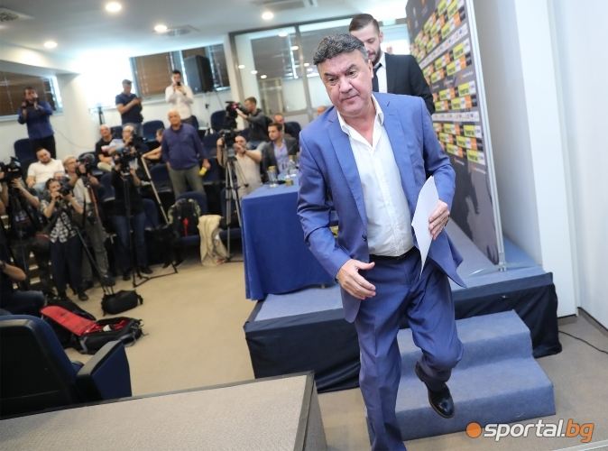 Борислав Михайлов подаде оставката си