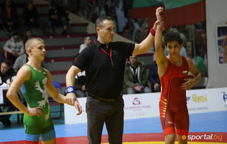 Едмонд Назарян (червено)