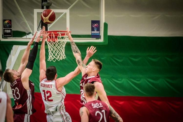 България - Латвия 110:104