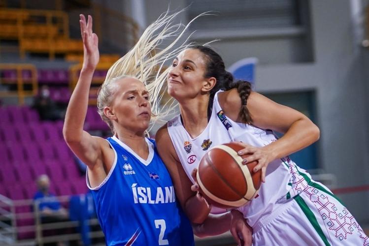 България размаза Исландия и продължава да мечтае за ЕвроБаскет