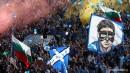 Страхотната синя публика по време на дербито