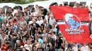 Феновете на Локомотив по време на битката за Пловдив
