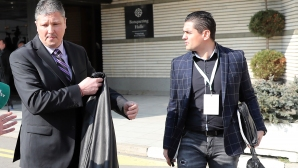 Екипът на Любо Пенев демонстративно напусна конгреса на БФС