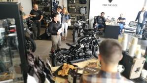 Новият Triumph Bonneville Bobber Black дебютира в София