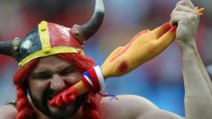 Феновете на Белгия за мача с Франция