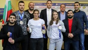 ПКФ на медалистите от Световното първенство по борба Тайбе Юсеин, Биляна Дудова и Кирил Милов