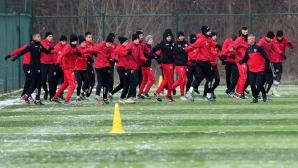 Футболистите на Локомотив София с първа тренировка за годината