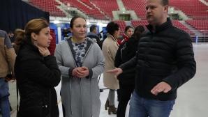 Демонстрираха как се заледява съоръжението по шортрек за Световнто в София
