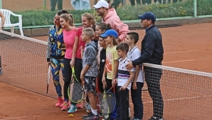 Григор Димитров проведе открит урок за деца в Хасково