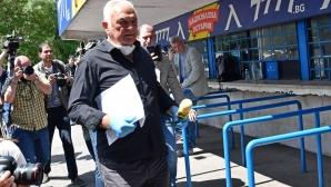 Сашо Диков предава акциите на ПФК Левски на Павел Колев