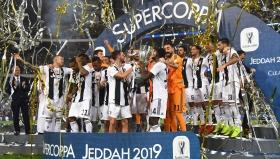 Ювентус вдигна Суперкупата на Италия за рекорден 8-и път