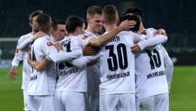 Борусия (М) сложи край на серията от 11 поредни загуби от Борусия (Д)