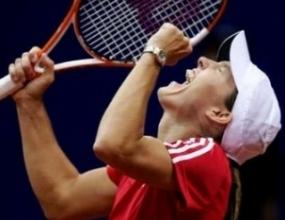 """Енен-Арден и Клайстерс детронираха шампиона Русия във """"Фед Къп"""""""