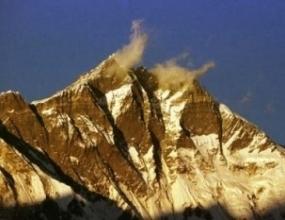 Алпинисти отпразнуваха 25 години от изкачването на Лхоце и 30 години от експедицията до Ношак