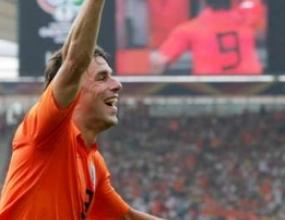 Ван Нистелрой здрав за мача с Аржентина