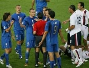 Футболистите на Италия разочаровани след равенството със САЩ