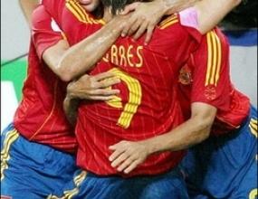 Медиите в Испания: Раул се смее, Испания ликува