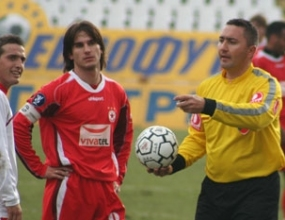 Тони Костадинов пред договор с Пирин