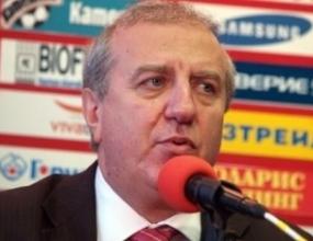Александър Томов очаква футболисти на проби в близките дни