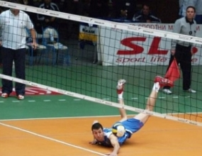 Боян Йорданов дебютира за Олимпиакос в дербито с Ираклис