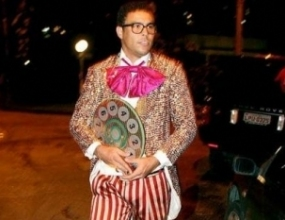Роналдо се прави на клоун на рождения ден на майка си