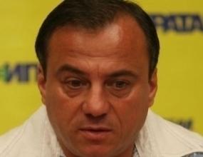 Антон Коджабашев: Вече ми писна от хленчещи старци
