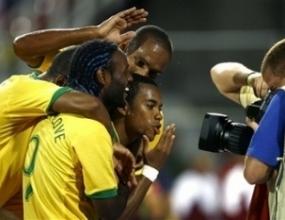 Без изненади в стартовите състави на Уругвай и Бразилия