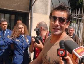 Жена нападна с нож Франческо Коко