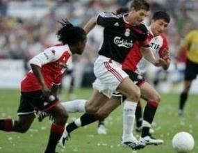 Ливърпул и Фейенорд направиха 1:1, трофеят остана за Порто