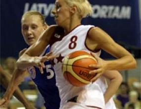 Латвия и Беларус на полуфинал на евробаскет за жени