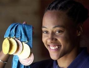 Марион Джоунс върна медалите си от Сидни`2000
